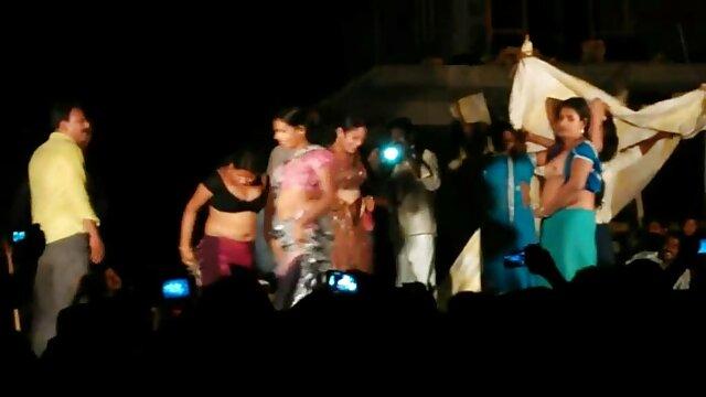 बहनों ने हिंदी सेक्सी फुल मूवी एचडी में भाई की पूरी सेवा की