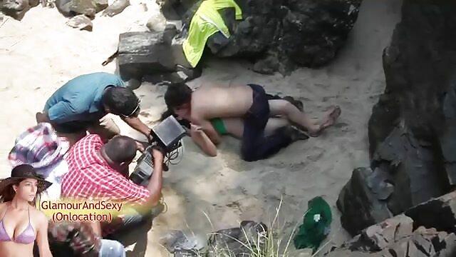 एक छोटे से बीएफ सेक्सी मूवी एचडी वीडियो छज्जे पर मीठे हंडजोब