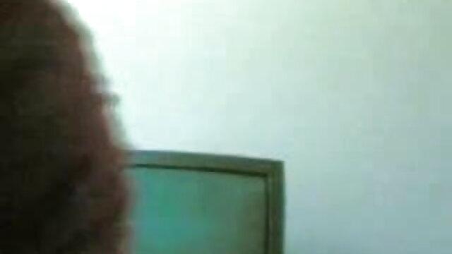 बॉस गुदा में सेक्सी वीडियो फुल एचडी मूवी नौकरानी को चोदता है