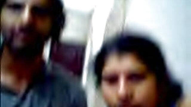 कोमल छात्रों ने बिस्तर में सेक्सी फिल्म हिंदी फुल एचडी चुदाई की और जोश के साथ पूरा किया