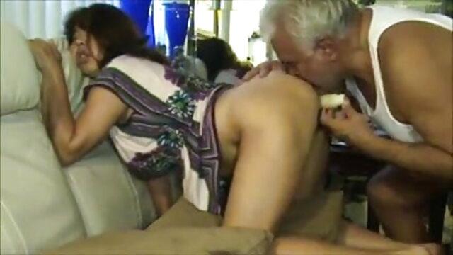 नीग्रो सेक्स के सेक्सी वीडियो हिंदी मूवी एचडी लिए एक लचीली लड़की के रूप में घूमता है