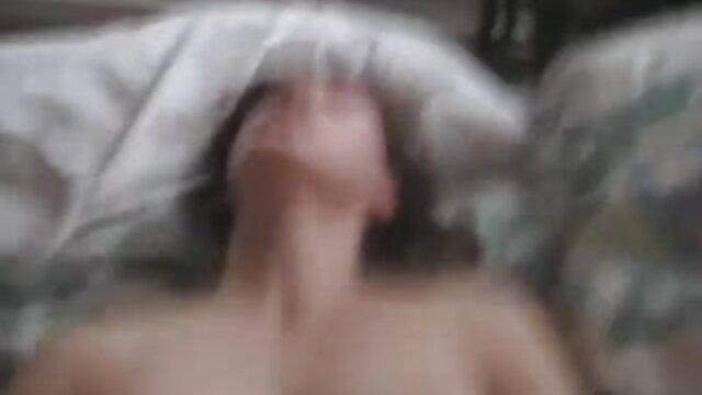 प्रेमी ने लड़की को नितंबों पर थूक दिया, और फिर उसके साथ सेक्सी वीडियो फुल एचडी मूवी कठिन सेक्स किया