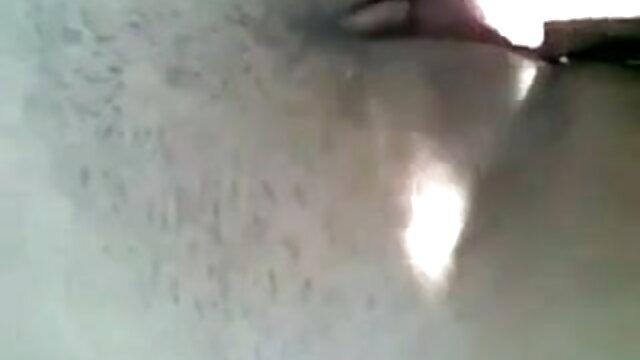 मैंने अपनी प्रेमिका को एचडी में सेक्सी मूवी रोल के बीच लगाया