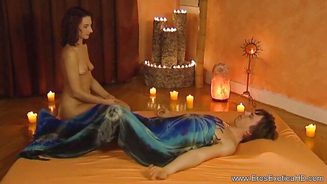 सेक्सी माँ युवा जोड़े को एक महान सेक्स सबक बीएफ सेक्सी मूवी हिंदी एचडी सिखाती है
