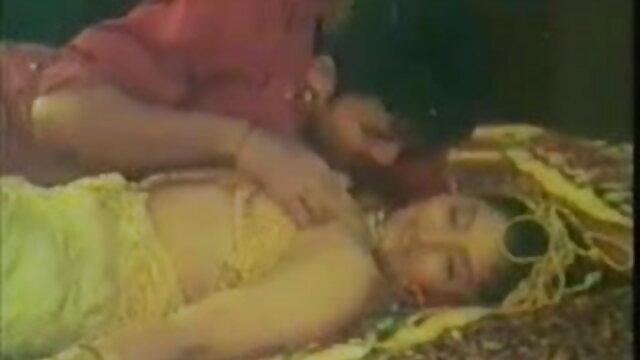 सुनहरे बालों वाली परिपक्व चाइनीस सेक्सी मूवी एचडी महिला सींग का आदमी के साथ भावुक यौन संबंध है