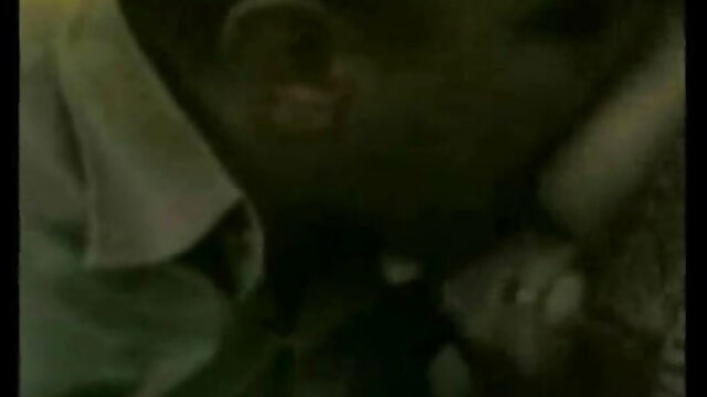रूसी लोगों ने एक हिंदी फिल्म सेक्सी एचडी में युवा लड़की के सभी छेदों का फायदा उठाया