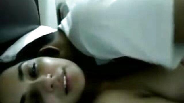 अपनी सेक्सी हिंदी एचडी मूवी प्यारी पत्नी के साथ गुदा अश्लील