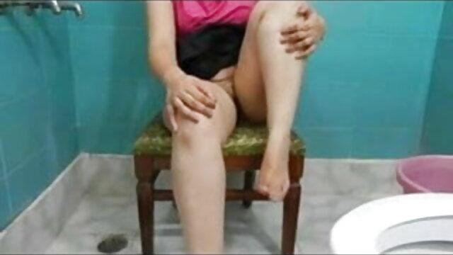 लड़की कुशलता से दो बड़े लंड को संभालती एचडी मूवी बीएफ सेक्सी है