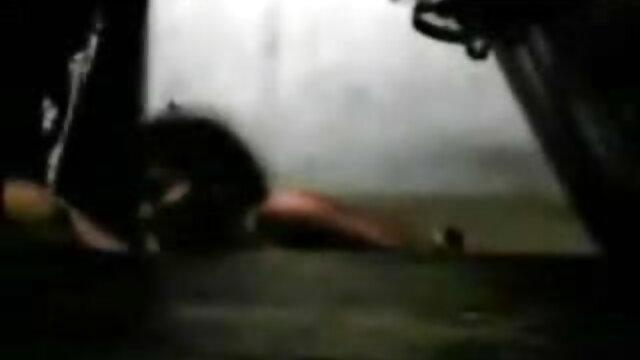 बूढ़ा कैदी युवा मुर्गा के साथ खुश सेक्सी वीडियो फुल एचडी मूवी था
