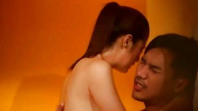 जिमनास्ट ने अपने ट्रेनर के देहाती सेक्सी मूवी एचडी साथ सेक्स किया