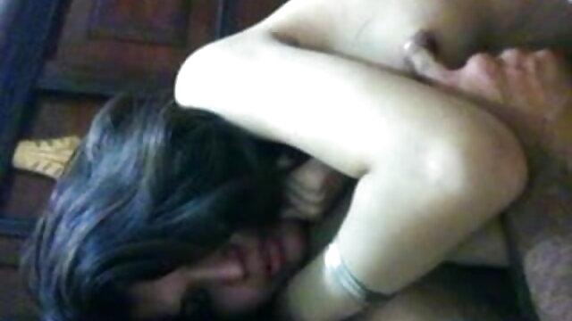 रबर मुर्गा और सेक्स वीडियो मूवी एचडी फुल बड़ी लूट के साथ घर का बना अश्लील