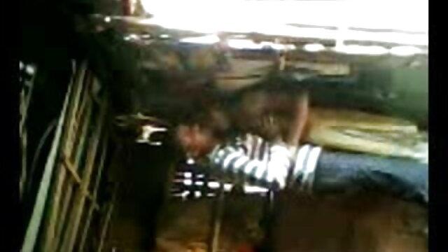 मालिक बीपी सेक्सी एचडी मूवी काले मोज़ा में सचिव को चोदता है