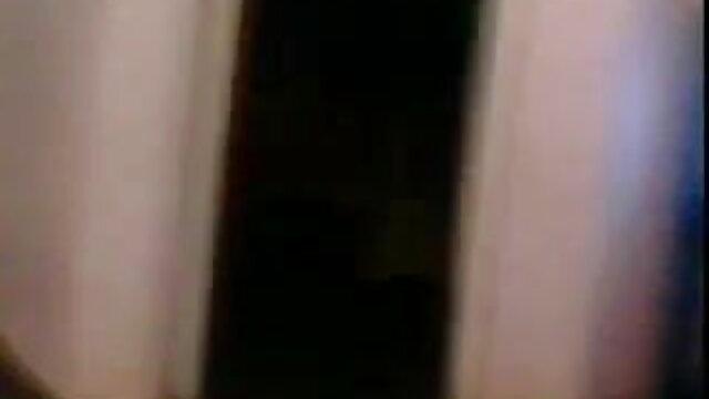 गोरा धीरे से उसकी गीली चूत का हस्तमैथुन सेक्सी वीडियो सेक्सी वीडियो फुल मूवी एचडी करता है