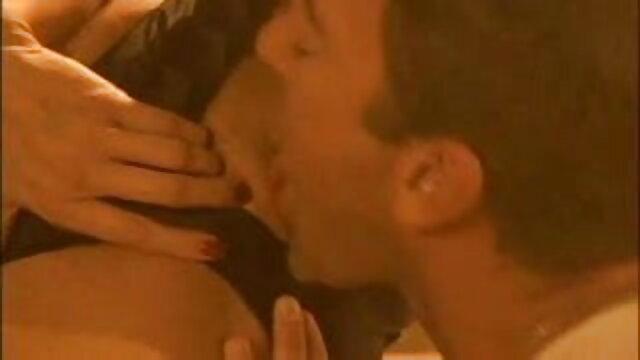 पोर्न एजेंट ने एक रूसी लड़की को एक साथ काम करने के लिए एचडी फुल सेक्सी फिल्म बढ़ावा दिया