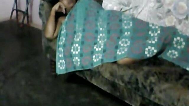 सौंदर्य उसके पैरों के साथ सेक्सी मूवी पिक्चर फुल एचडी एक लंबी डिक बंद झटका