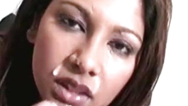 शानदार श्यामला ने एक सेक्सी मूवी हिंदी एचडी आदमी की कंपनी का आनंद लिया