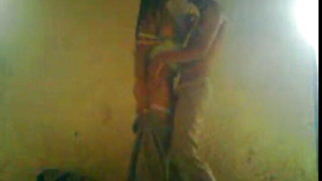 प्यार में युगल मस्ती कर रहे सेक्सी मूवी हिंदी में फुल एचडी हैं