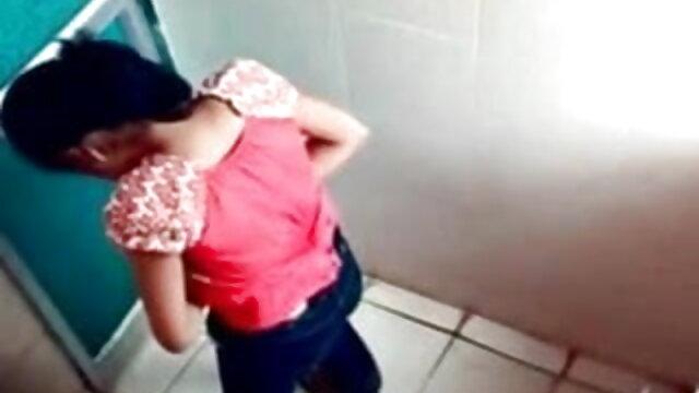 बाथरूम बीएफ सेक्सी मूवी एचडी में हस्तमैथुन करते समय संभोग सुख