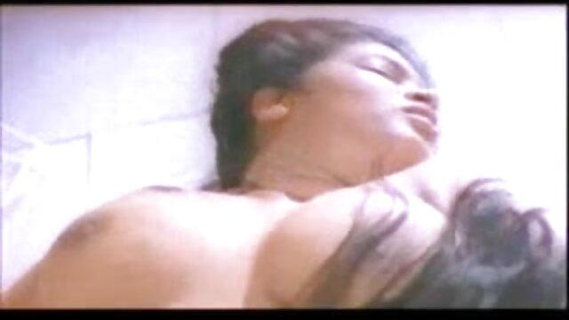 गोरा फुल एचडी सेक्सी फिल्म फुल एचडी ने दो लंड से चुदाई की