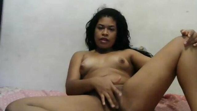लड़की जंगल में देहाती सेक्सी मूवी एचडी एक अजनबी के लिए डिक बेकार है