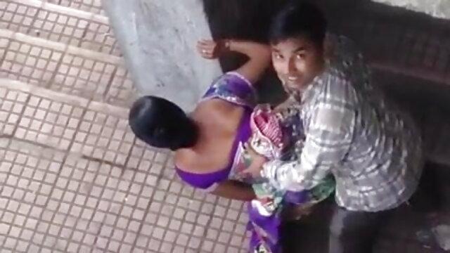 विशाल सेक्सी फिल्म फुल एचडी वीडियो स्तन का मालिक एक मोटा लिंग काम करता है