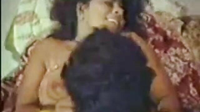 सेक्सी गर्लफ्रेंड ने आदमी सेक्सी फिल्म एचडी फुल को गांड में चोदने दिया