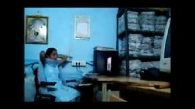 पति सेक्सी वीडियो फुल मूवी एचडी हिंदी और पत्नी ने एक जवान लड़की को बहकाया