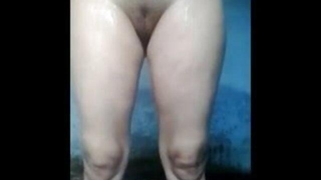 रेडहेड सौंदर्य एक पिकअप सेक्सी वीडियो मूवी एचडी ट्रक के मोटे लिंग से प्रसन्न होता है