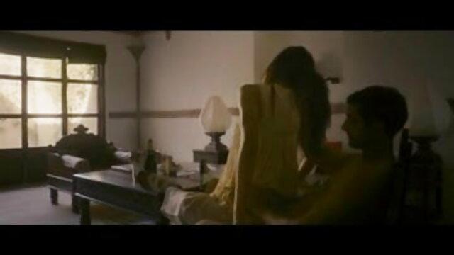 दो अनुभवी प्रेमियों सेक्सी फिल्म एचडी फुल ने एक छात्र को एक डबल प्रवेश दिया