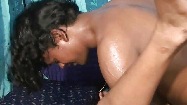 तनु शालेंद्र दो लंडों की सेवा करता है देहाती सेक्सी मूवी एचडी